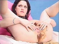 Sweetie defecating in strange pose and pissing to relax